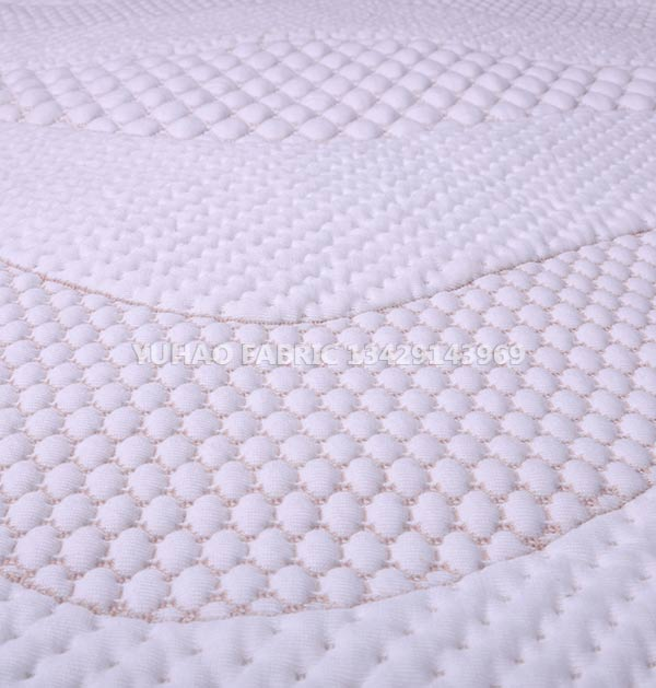 Breathable and soft knitted jacquard fabric